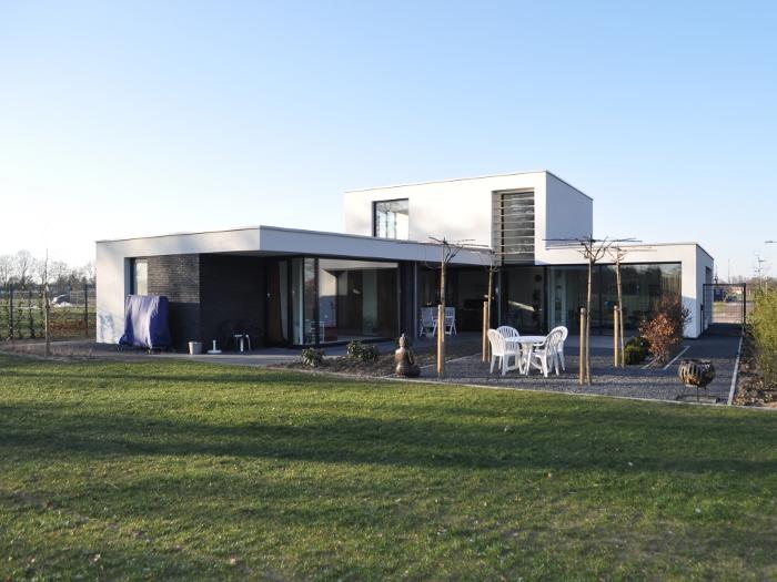 atelier-007-maas-architecten-gerard-ter-hofte-almelo-villa-vrijstaand-baksteen-stucwerk-wit-glas-zicht-licht-nieuwbouw-