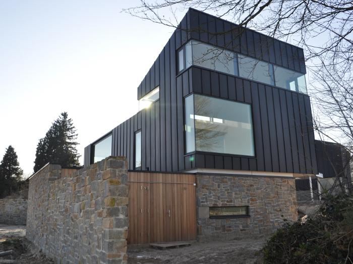 atelier-007-maas-architecten-gerard-ter-hofte-kuiperberg-zink-villa-vrijstaand-natuursteen-glas-zicht-licht-ootmarsum-nieuwbouw-