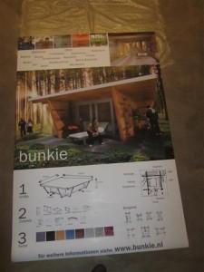 bunkie lodge wanderhut kabine gastehaus office relaxraum fitness stauraum bar sport studie studierzimmer ferienhaus sauna poster (Small)