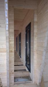 Atelier007-gerard-ter-hofte-Bunkie-recreatie-woning-hout-natuur-open-veranda-overdekt-terras-uitvoering-001